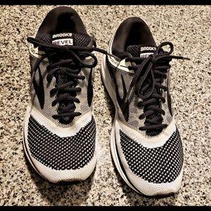 Brooks Revel size 12 running shoes.